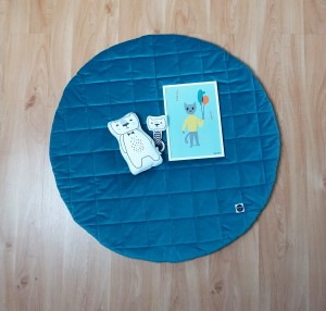 Quilted play mat ocean blue