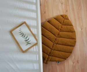 Leaf play mat dark mustard