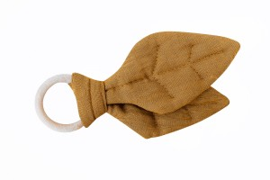 Wooden leaf teether MUSTARD