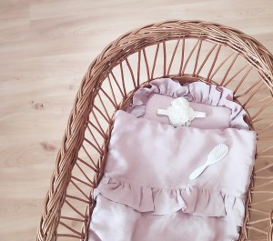 Linen duvet with frill dusty pink