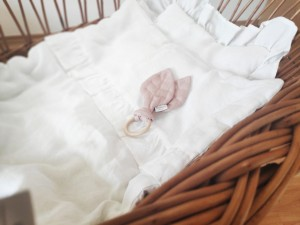 Linen duvet with frill white